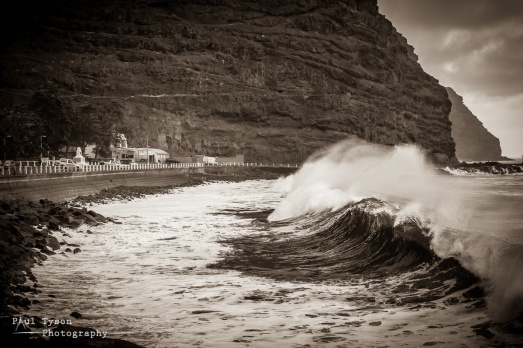 James Bay Waves 1